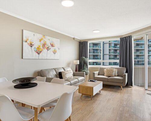 Kirra-Beach-Apartments-2-Bed-Ocean-View (12)