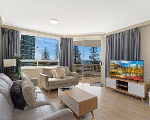 Kirra-Beach-Apartments-2-Bed-Ocean-View (13)