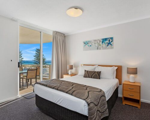Kirra-Beach-Apartments-2-Bed-Ocean-View (16)