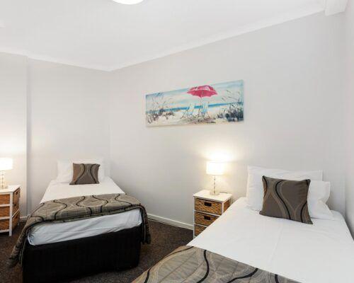 Kirra-Beach-Apartments-2-Bed-Ocean-View (17)