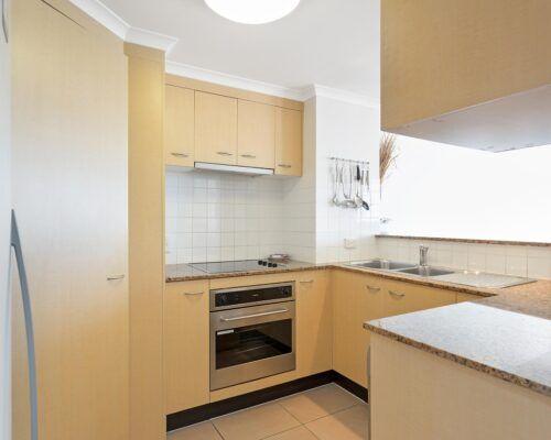 Kirra-Beach-Apartments-2-Bed-Ocean-View (18)
