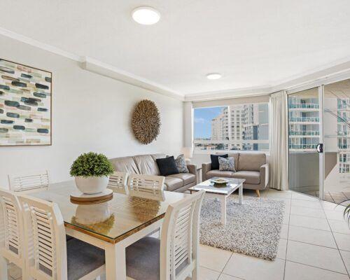 Kirra-Beach-Apartments-2-Bed-Ocean-View (4)