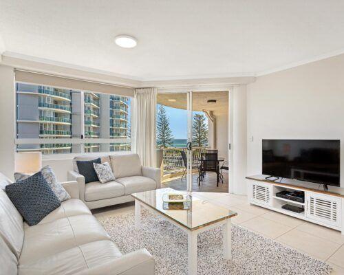 Kirra-Beach-Apartments-2-Bed-Ocean-View (5)