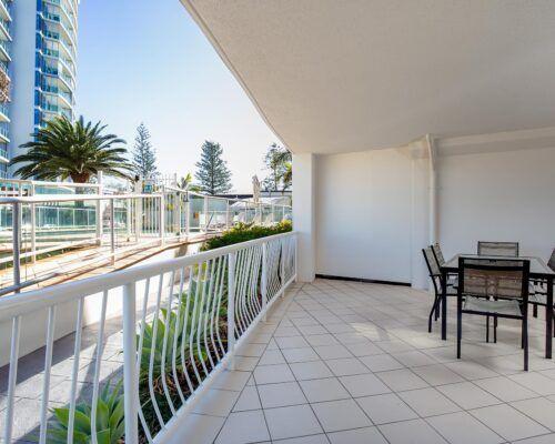 Kirra-Beach-Apartments-2-bed-pool-view (1)