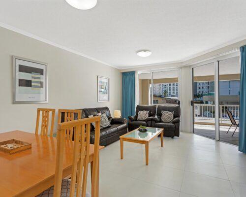 Kirra-Beach-Apartments-2-bed-pool-view (11)