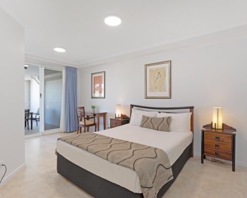 Kirra-Beach-Apartments-2-bed-pool-view (2)
