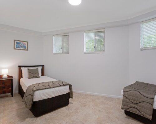 Kirra-Beach-Apartments-2-bed-pool-view (3)