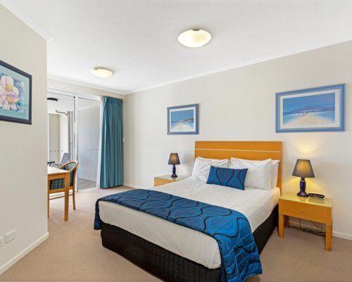 Kirra-Beach-Apartments-2-bed-pool-view (6)