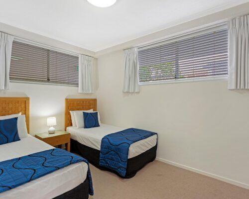 Kirra-Beach-Apartments-2-bed-pool-view (9)