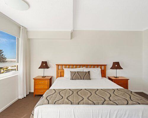 Kirra-Beach-Apartments-3-Bedroom-Ocean-view (1)