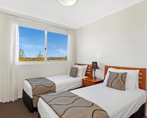 Kirra-Beach-Apartments-3-Bedroom-Ocean-view (2)