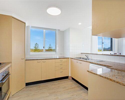 Kirra-Beach-Apartments-3-Bedroom-Ocean-view (4)