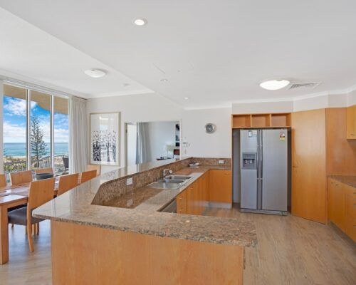 Kirra-Beach-Apartments-Penthouse (13)