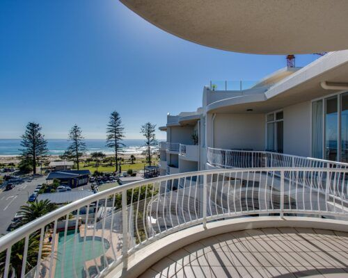 Kirra-Beach-Apartments-Penthouse (14)