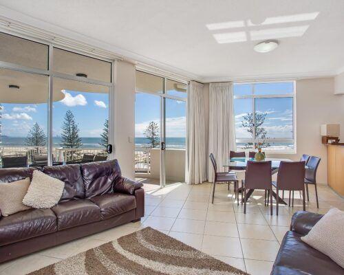 Kirra-Beach-Apartments-Penthouse (4)