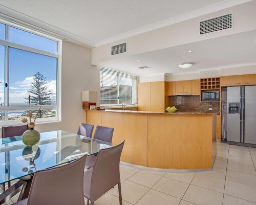 Kirra-Beach-Apartments-Penthouse (5)