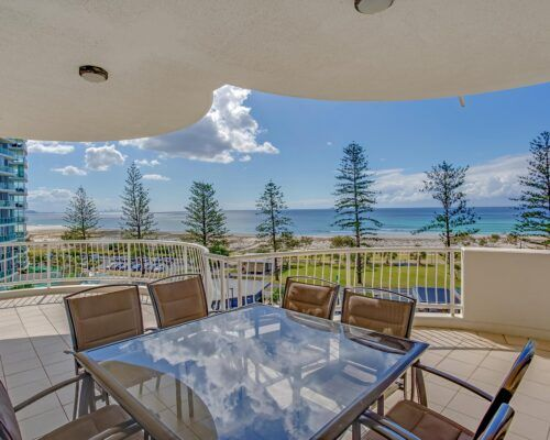 Kirra-Beach-Apartments-Penthouse (6)