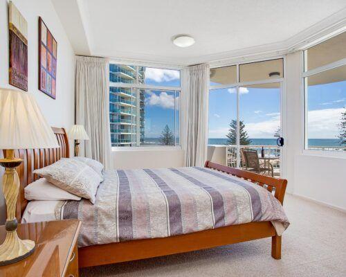 Kirra-Beach-Apartments-Penthouse (7)