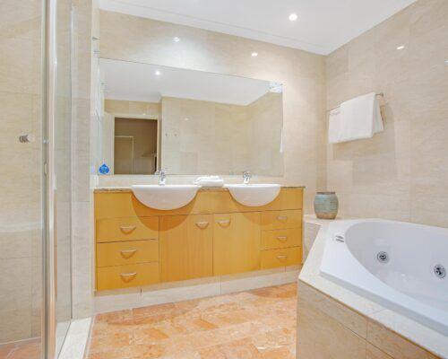 Kirra-Beach-Apartments-Penthouse (9)